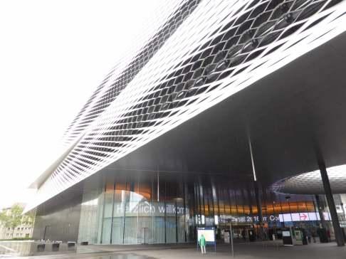 Messe Basel New Hall by Herzog de Meuron 24_Stephen Varady photo ©