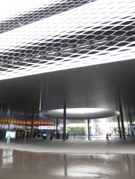 Messe Basel New Hall by Herzog de Meuron 25_Stephen Varady photo ©