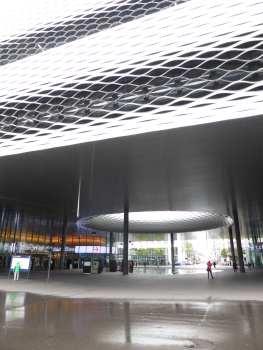 Messe Basel New Hall by Herzog de Meuron 25_Stephen Varady photo ©