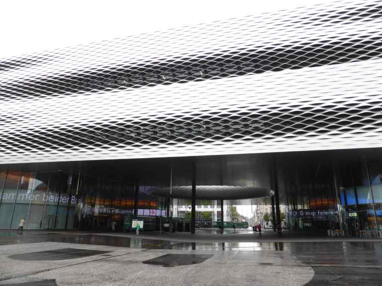 Messe Basel New Hall by Herzog de Meuron 27_Stephen Varady photo ©