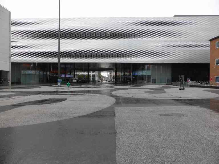 Messe Basel New Hall by Herzog de Meuron 30_Stephen Varady photo ©