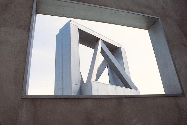Edgemar by Frank Gehry 11_Stephen Varady Photo ©