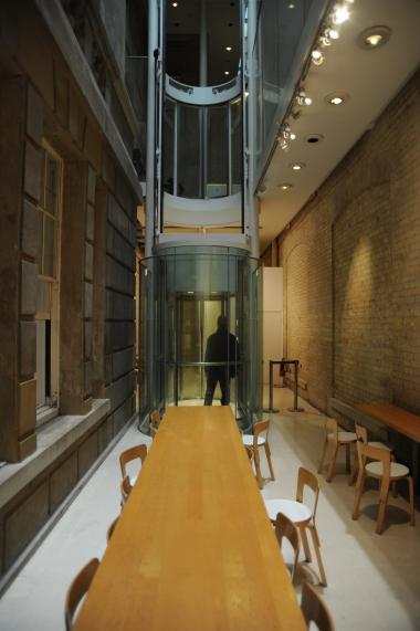 Sacker Gallery, London by Foster + Patners 54_Stephen Varady Photo ©