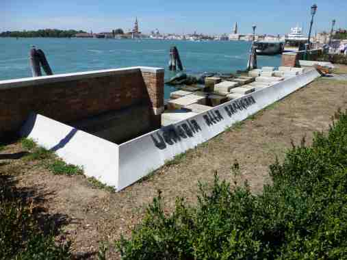 Venezia Alla Partciana Memorial, Venice by Carlo Scarpa 01_Stephen Varady Photo ©