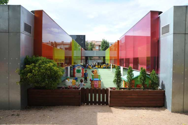 'Els Colors' Nursery, Manlleu, Spain by RCR Arquitectes 38_Stephen Varady photo ©