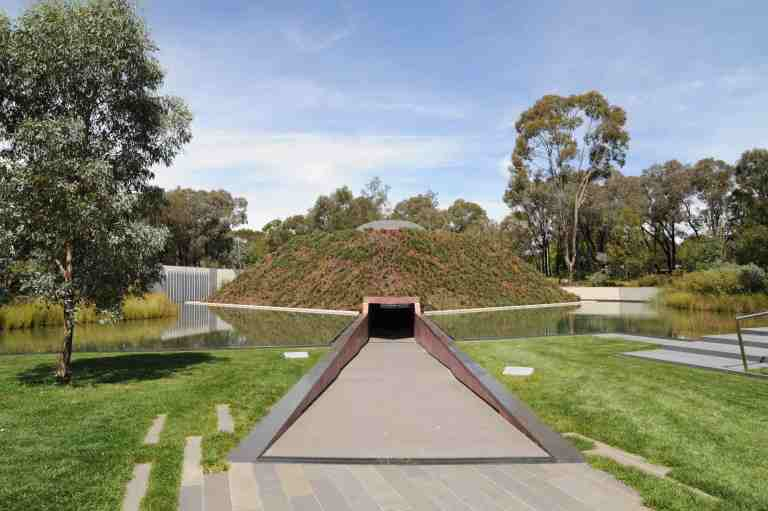 Within without, Canberra by James Turrell 05_Stephen Varady Photo ©