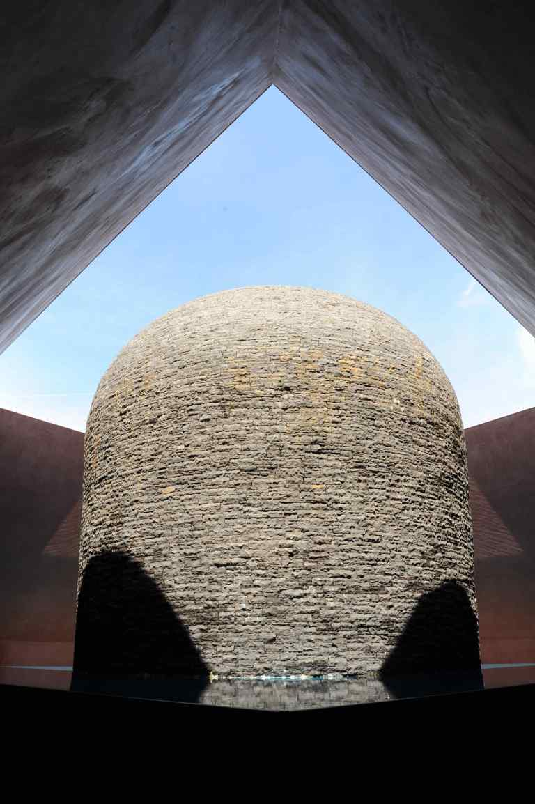 Within without, Canberra by James Turrell 11_Stephen Varady Photo ©