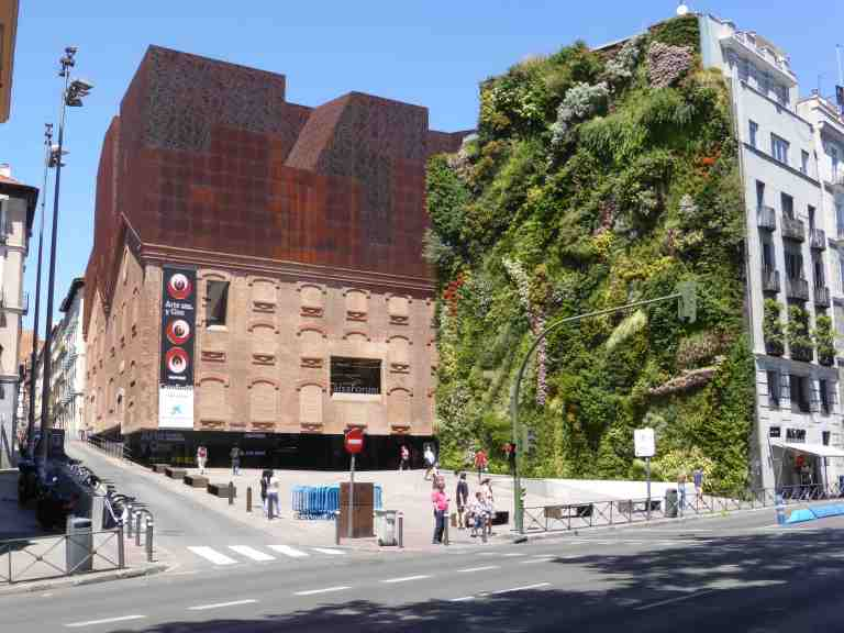 Caixa Forum, Madrid by Herzog de Meuron 01_Stephen Varady Photo ©