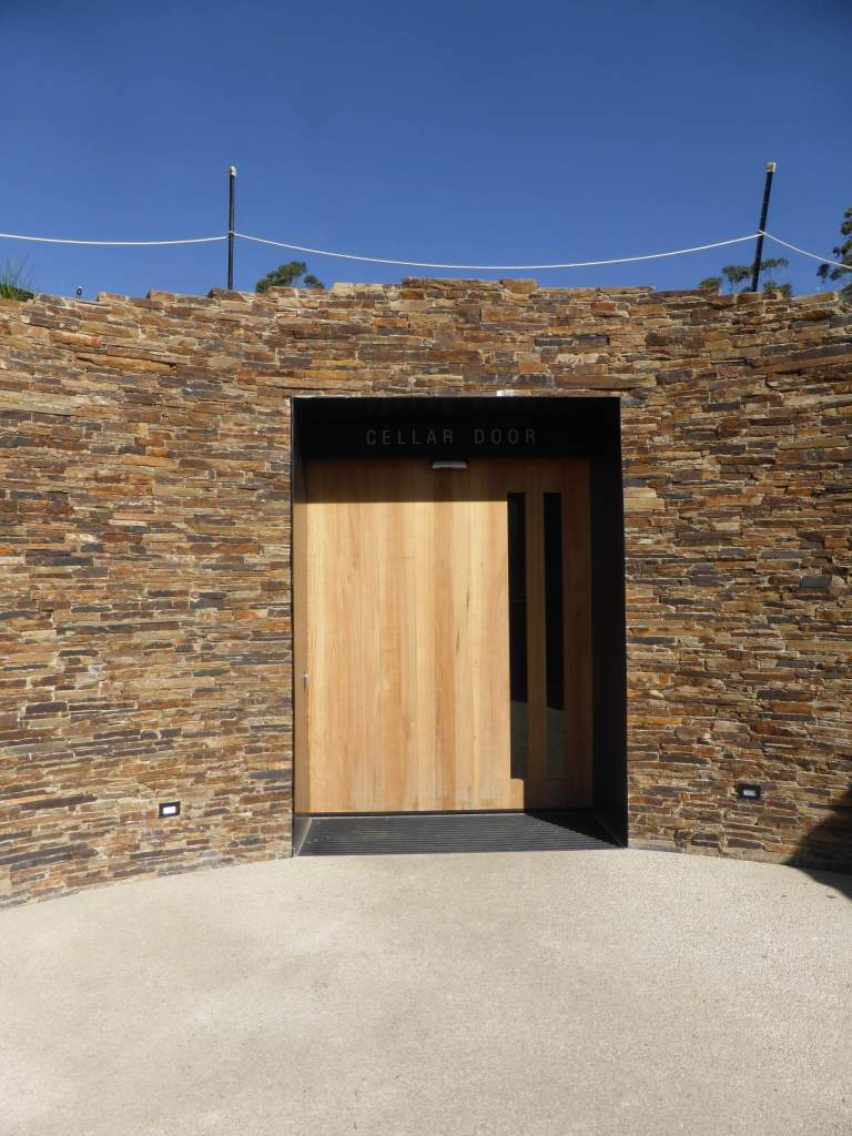 Tarrawarra Cellar Door by Kerstin Thompson Architects 03_Stephen Varady Photo ©